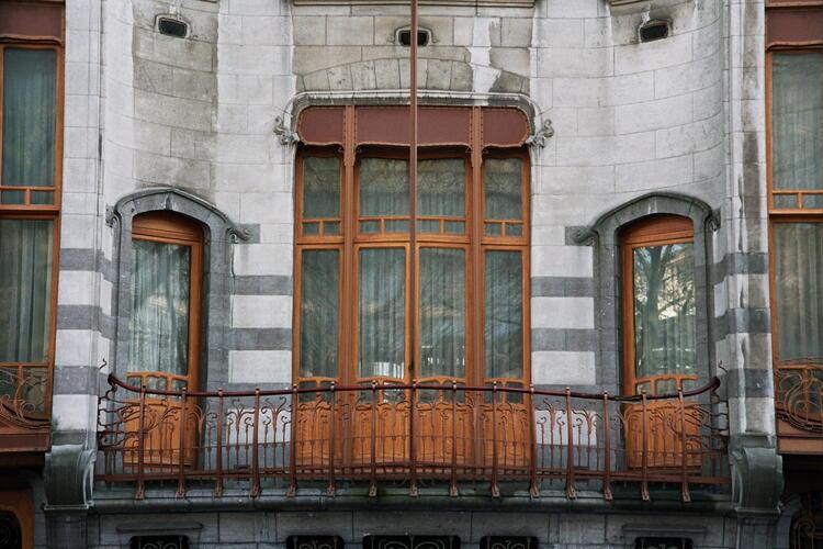 Brussel uitbreiding zuid huis solvay louizalaan 224 lensstraat 27 horta victor - Modern deco in oud huis ...