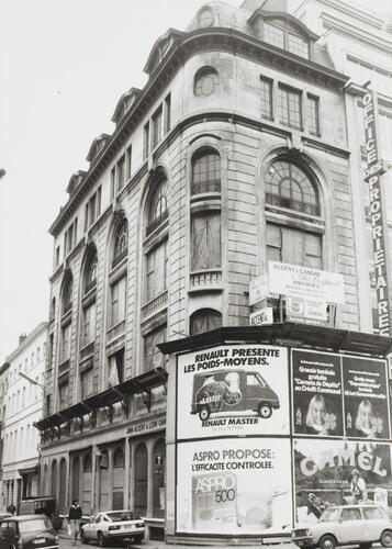 rue de Namur 78. Anciens Magasins des tailleurs