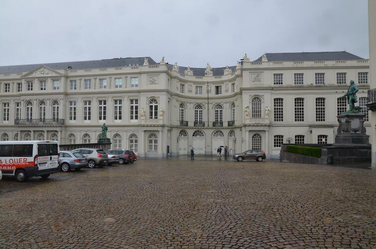 Place du Musée 1, - anc. Cour de Nassau - Palais de Charles de Lorraine, Chapelle Royale Protestante et Palais de l'Industrie Nationale, 2015
