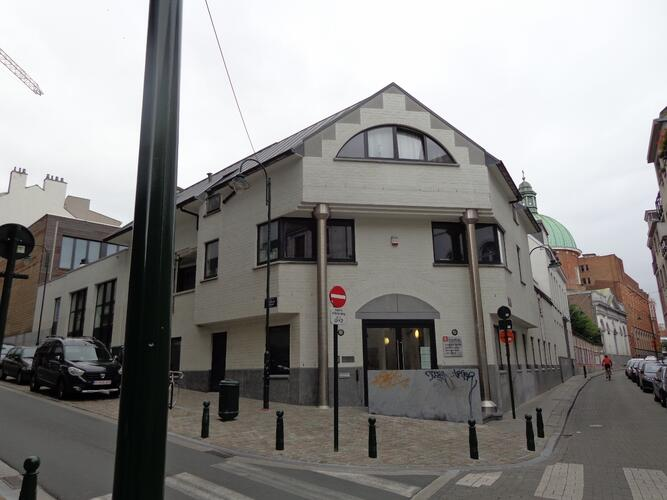 Rue d'Accolay 1, 2015