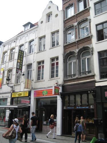 Rue du Marché aux Herbes 21, 2015