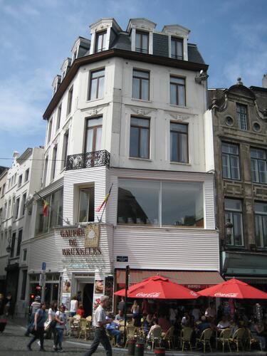 Rue du Marché aux Herbes 113, 2015