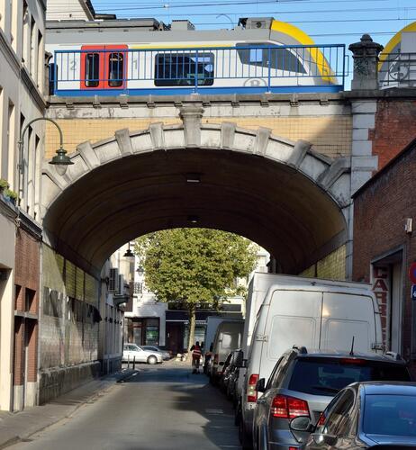 Rue Sallaert, pont de chemin de fer, 2017