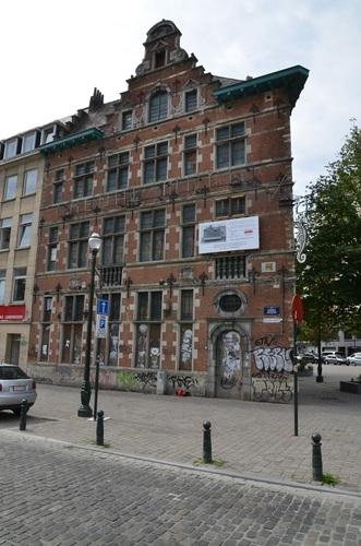Quai aux Briques 90, Rue du Marché aux Porcs 25, 2015