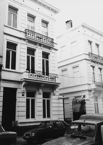 rue de l'Association 33 et 35. Passage de service de l'Hôtel Astoria, rue Royale 103, 1984