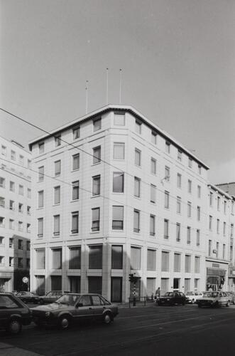 rue Royale 92-94-96a, angle Treurenberg et place de Louvain, 1990