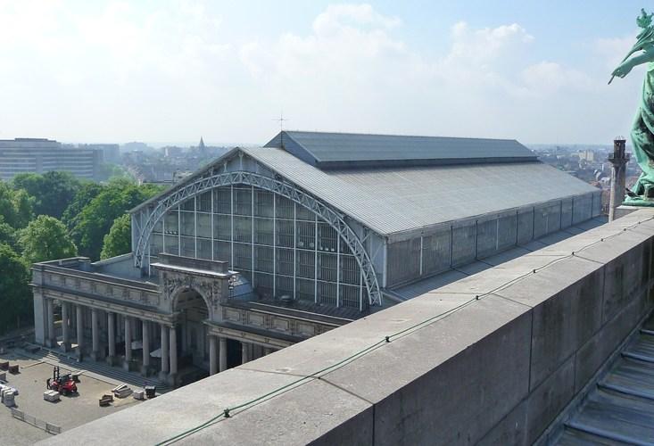 Autoworld, vue de la halle depuis le sommet de l'arcade du Cinquantenaire, 2010