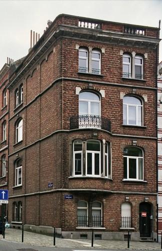Rue Jenneval 57, à l'angle de la rue Charles Quint, 2007