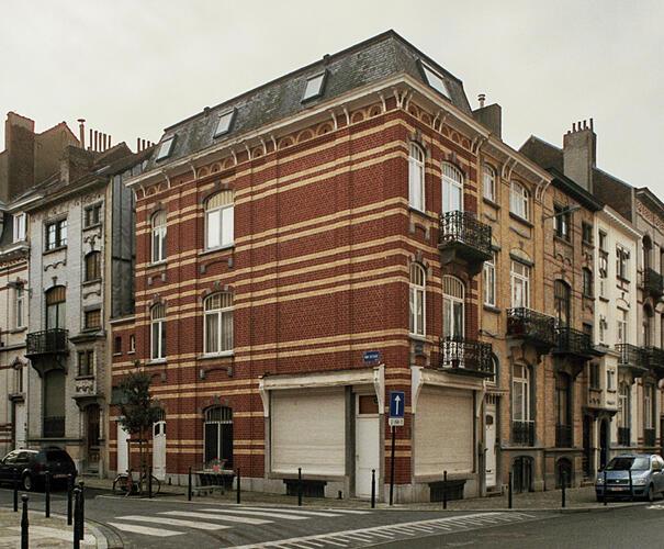 Rue Hobbema 29, 31, 33 Rue Van Ostade 1-3, 5 Rue Hobbema 37 Rue Van Ostade 2 Rue Hobbema 35 Rue Van Ostade 4, 6, 8, 10