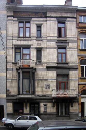 Rue Vilain XIIII 27, 2005