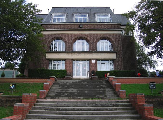Bâtiment E2, façade principale, 2006