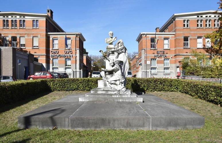Place Arthur Van Gehuchten, Monument du Souvenir, (© ARCHistory / APEB, 2018)