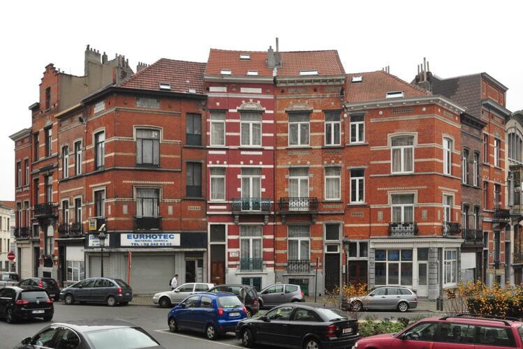 Rue Quinaux 1 - place Colignon 41, place Colignon 43 à 55, avenue Maréchal Foch 3, 5, 2014