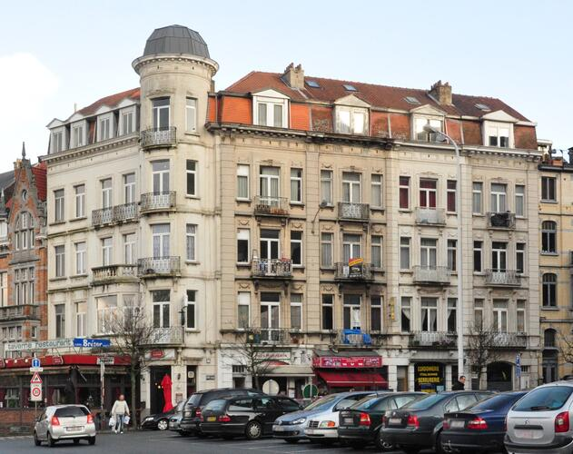 Square François Riga 35-36 et avenue Huart Hamoir 150 à 156, 2012