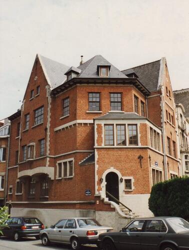 Boulevard Louis Schmidt 30-32, à l'angle de l'avenue Hansen-Soulie, 1994
