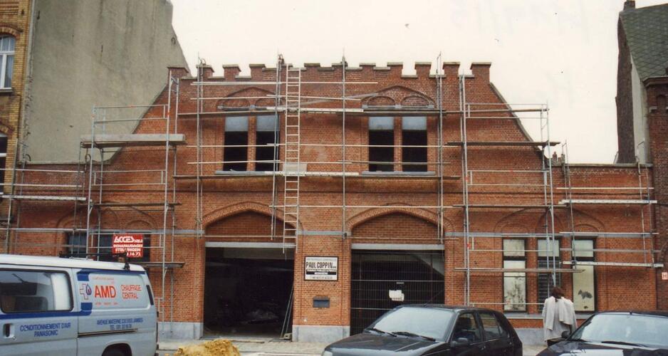 Place Van Meyel 18-20 et chaussée Saint-Pierre 196, 1994