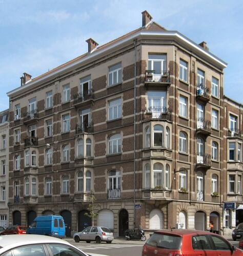 Rue Alphonse Hottat 52–avenue Auguste Rodin 23-25, 2010