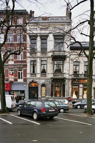 Place du Châtelain 37, 2005