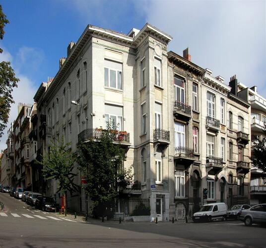 Rue de Hennin 21, 23, 25 Rue des Champs Elysées 74