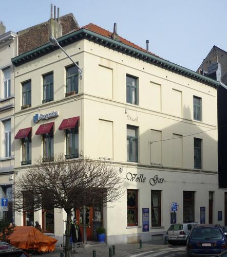 Place Fernand Cocq 21 – rue du Conseil 2, 2011