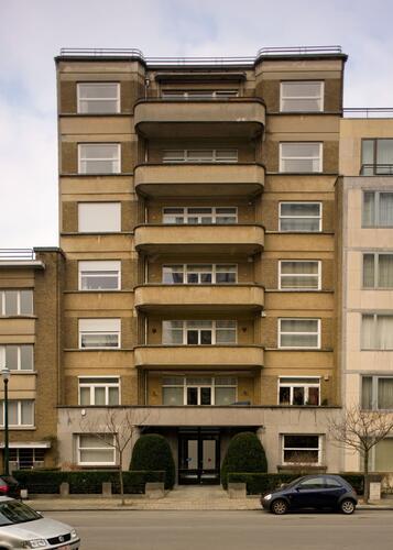 Avenue Jeanne 23, 2012