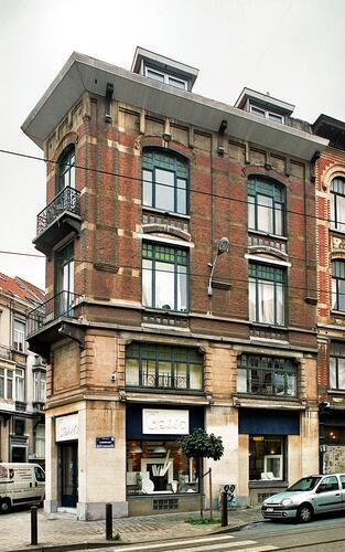 Rue Lesbroussart 50 – 1 rue Dautzenberg, façade rue Lesbrousrart, 2009