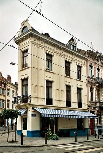 Rue Lesbroussart 91-93 – 98 rue de Hennin, façade rue Lesbroussart, 2009