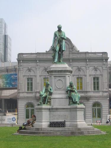 Luxemburgplein, Monument John Cockerill, 2007