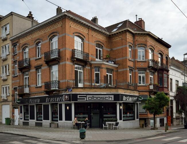 Square du Solbosch 1A et avenue du Pesage 2, 4, 2014