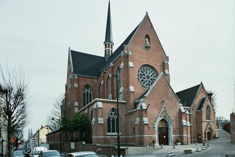 Chaussée de Wavre 203-205, église des Pères du Saint-Sacrement, 2010