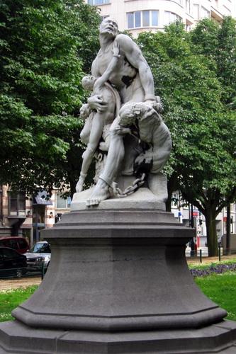 Nègres marrons surpris par des chiens (d'après un projet de 1869), sculpteur Louis SAMAIN, 2006