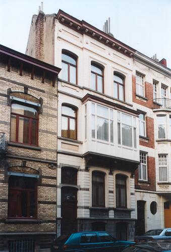 Rue d'Albanie 12, 2003
