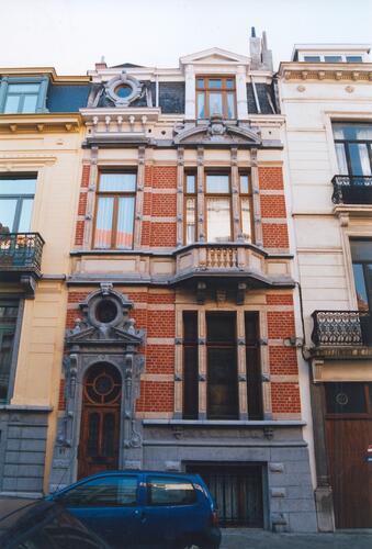 Rue d'Albanie 91, 2002