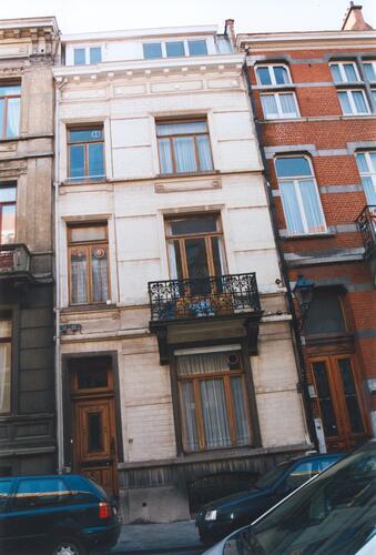 Rue d'Albanie 97, 2002