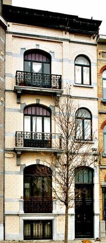 Place Antoine Delporte 19, 2003