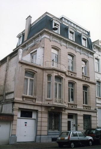 Rue Blanche 18, 1999