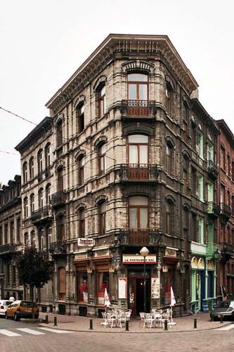 Rue de Serbie 3 et rue de Bosnie 35-37, 33, 2004