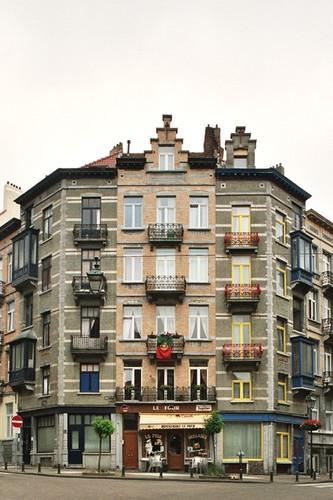 Crickxstraat 24-26, 28-30, 32 en Gustave Defnetstraat 42, 2004