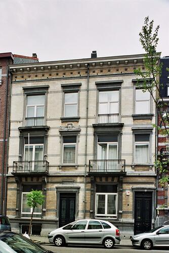 Rue Defacqz 106 et 108, 2004