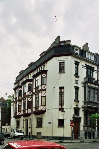 Rue de l'Amazone 66-68 et rue Defacqz 120, 2004