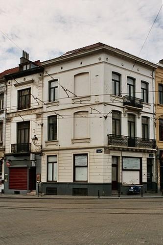 Rue de l'Aqueduc 1 et rue Defacqz 156, 2004