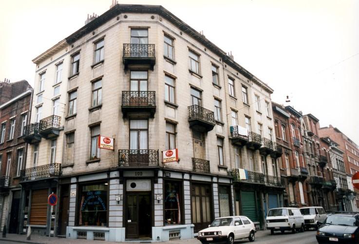 Rue Émile Féron 109 et 111 et rue du Danemark 49 et 51, 2004