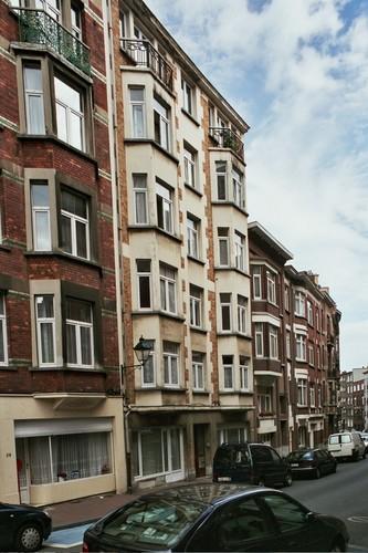 Rue Gisbert Combaz 27-27A, 2004