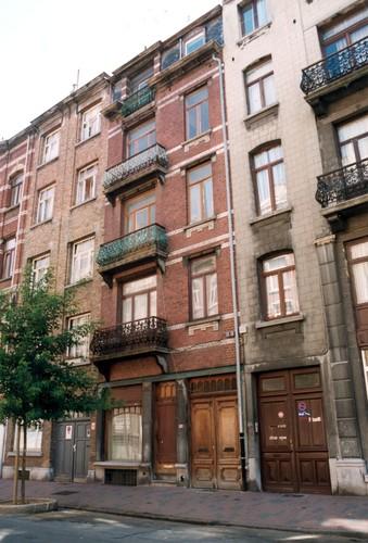 Rue Gustave Defnet 56-58, 2004
