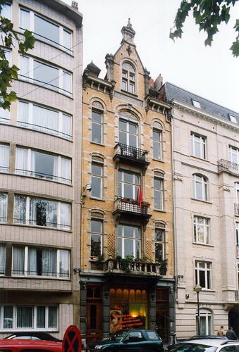 Place Maurice Van Meenen 6, 2003