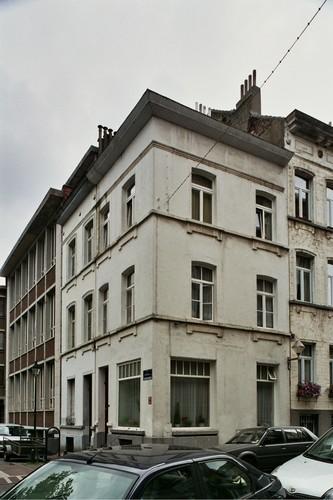Rue Sterckx 28, 30 et rue de la Perche 9, 2004