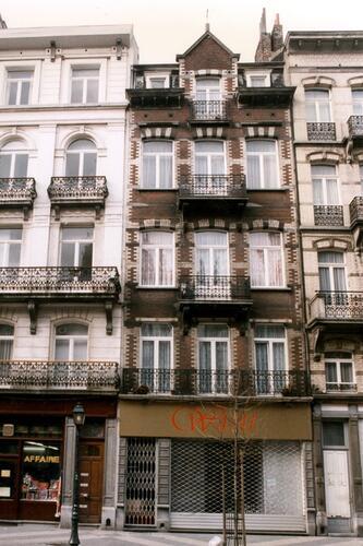 Parvis Saint-Gilles 22, 1996
