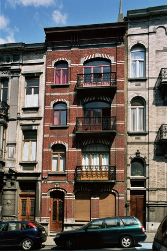 Rue de Savoie 85, 2004