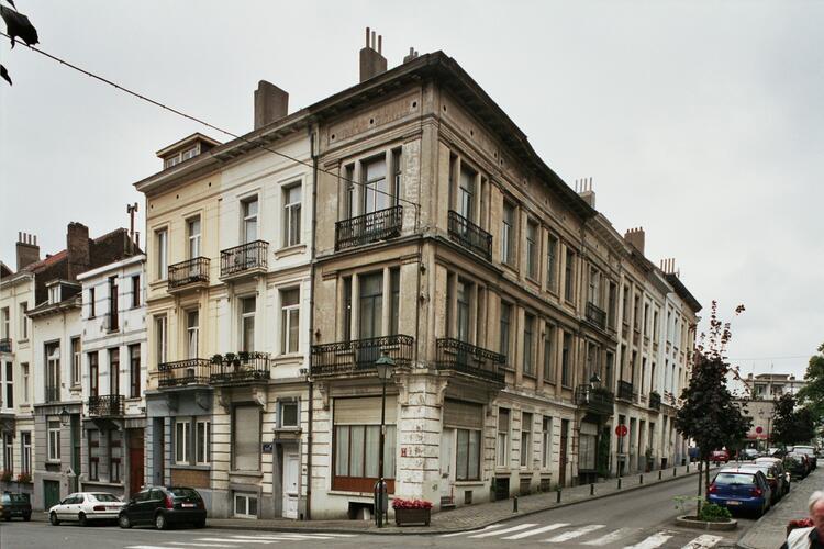 Rue de la Victoire 140, 142 et rue de Roumanie 9, 11, 2004