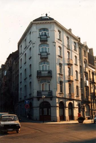 Avenue des Villas 4a - rue Garibaldi 33a, immeuble d'angle, 1995